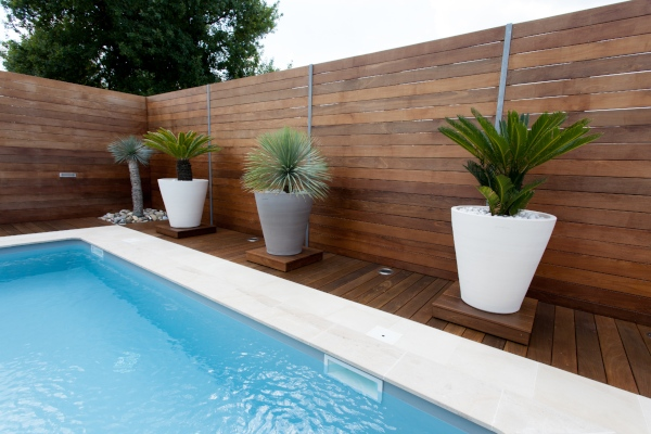 apartment style house based in Perth 6000 Western Australia with a newly renovated pool and fence combination